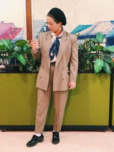 成人式スーツ女性